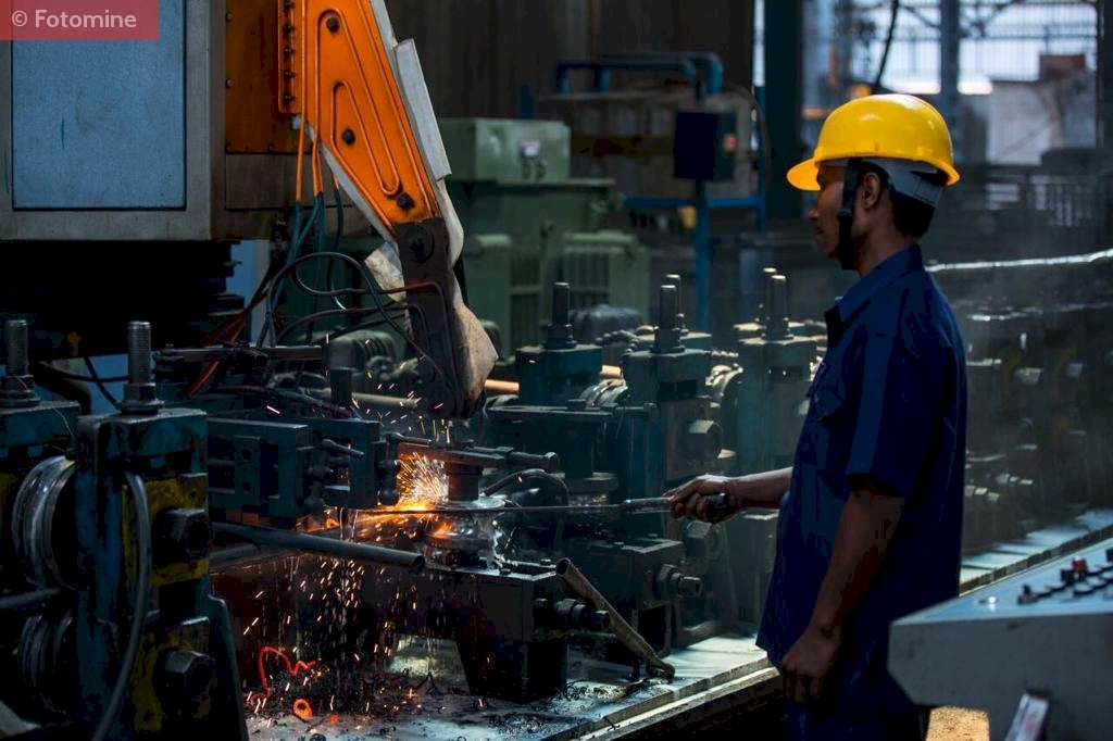 Manufacturing Process of ERW Round pipe in Telangana, Southern India