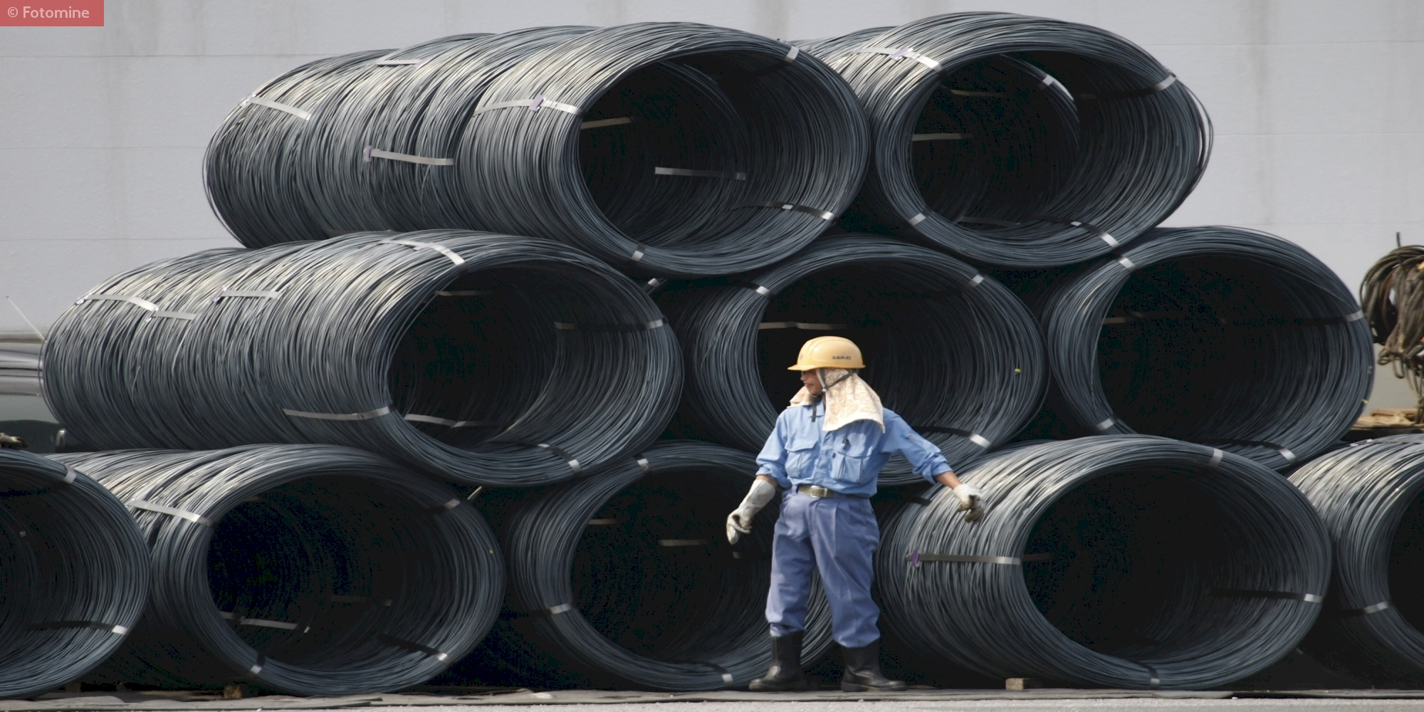 Workers Handling Wire Rod Coils in Stockyard of Steel Mills in China
